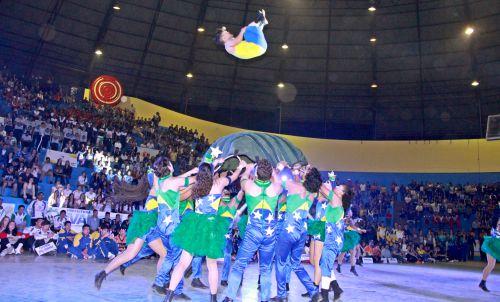 Espaço Sou Arte se apresentou no Ginásio de Esporte Sapecadão de Ivaiporã, em agosto de 2017