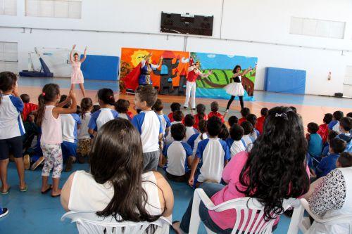 Grupo de Teatro Arte em Cena/Centro da Juventude se apresenta no Sesc
