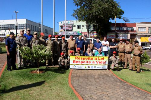 Ação conta com a parceria da Polícia Civil, Polícia Militar, Polícia Rodoviária, Corpo de Bombeiros, Bombeiro Mirim Integrado, Detran e Prefeitura de Ivaiporã