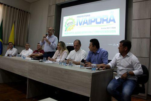 Prefeito Miguel Amaral recebe membros dos Governos Estadual e Federal, prefeitos da região e lideranças do município