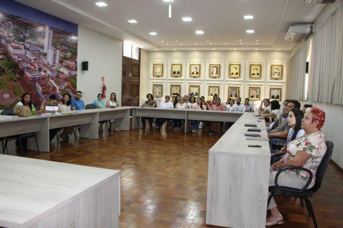 Membros do Comitê Gestor Municipal também participam da reunião