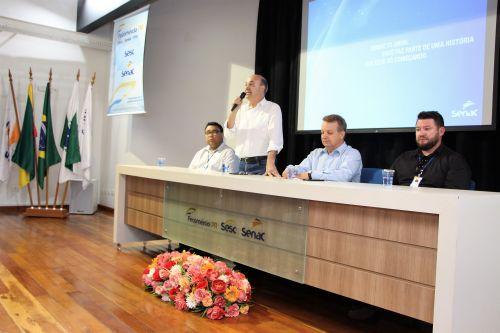 Prefeito de Ivaiporã participa da solenidade de instalação do Correspondente Fomento Paraná