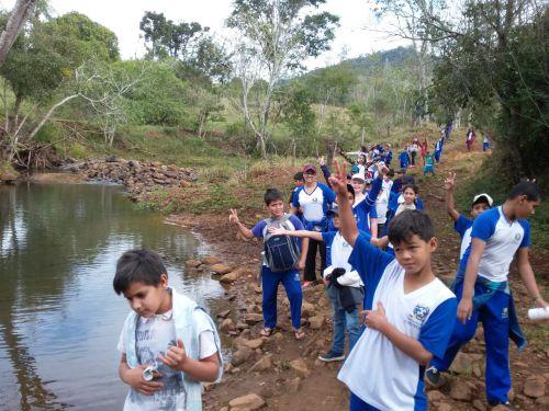 Prefeitura de Ivaiporã realiza 2ª Caminhada Ecológica Pedagógica com alunos da rede municipal
