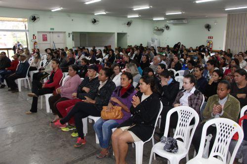 Prefeitura de Ivaiporã doa cobertores a familiares de alunos matriculados em escolas municipais e cmeis