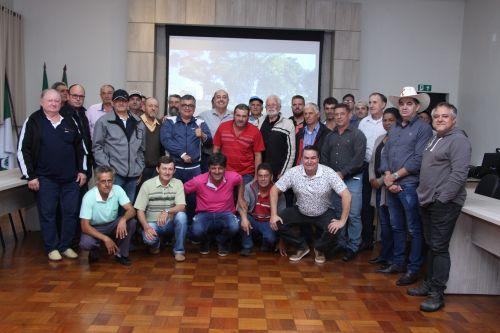 Prefeito Miguel Amaral parabeniza produtores pela preocupação com o meio ambiente