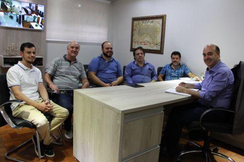 Durante reunião são debatidos benefícios do curso para o município