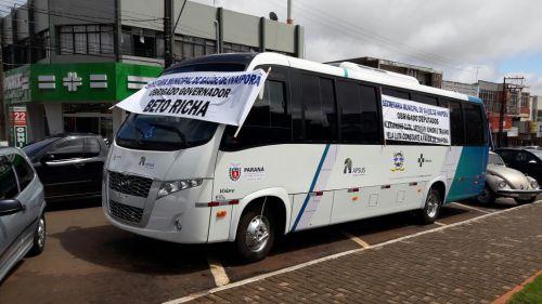 Ônibus com 32 lugares será utilizado no transporte de pacientes entre Ivaiporã, Londrina e Arapongas