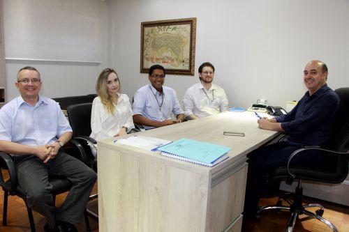 Miguel Amaral e Claudeney Martins recebem equipe do Hoftalon