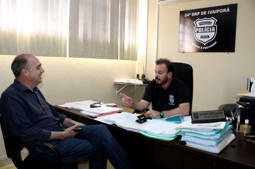 Prefeito Miguel Amaral e o delegado Gustavo Dante conversam sobre atendimento da Demafe