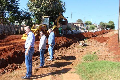 Prefeitura de Ivaiporã executa grande obra de galerias de águas pluviais no Jardim Luiz XV