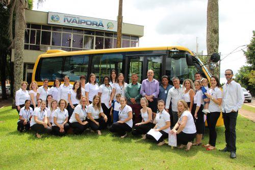 Ônibus adquirido por meio do FNDE