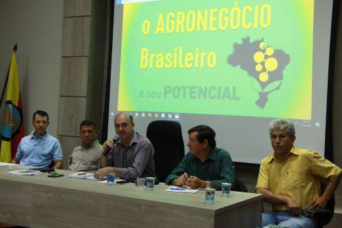 Prefeito Miguel Amaral defende importância do agronegócio