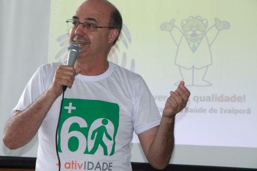 Prefeito Miguel Amaral dá as boas-vindas aos idosos