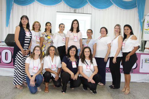 Mulheres são motivadas a enfrentar desafios durante encontro em Ivaiporã
