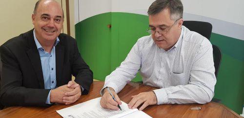 Prefeito de Ivaiporã cumpre agenda em Curitiba e acompanha andamento da obra do Hospital Regional