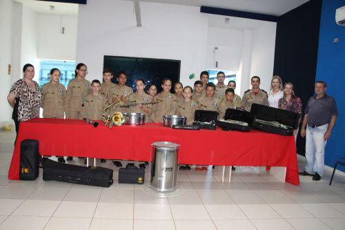 Prefeitura de Ivaiporã recebe instrumentos musicais doados por Furnas