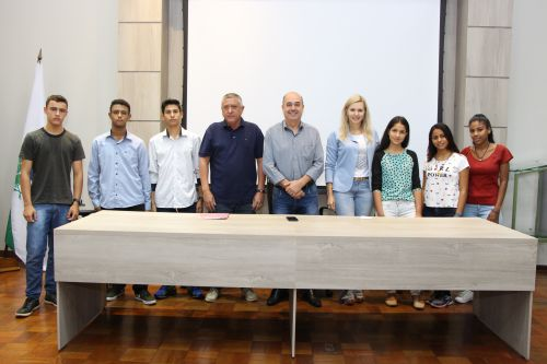 Prefeito de Ivaiporã recebe aprovados no programa Jovem Aprendiz
