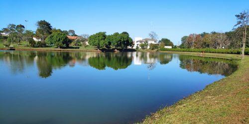 O objetivo é despovoar lagos a fim de se evitar a morte dos peixes