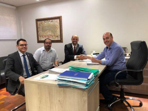 Marco Branco, Fernando Sant�lio e Luiz Branco s�o recebidos pelo prefeito