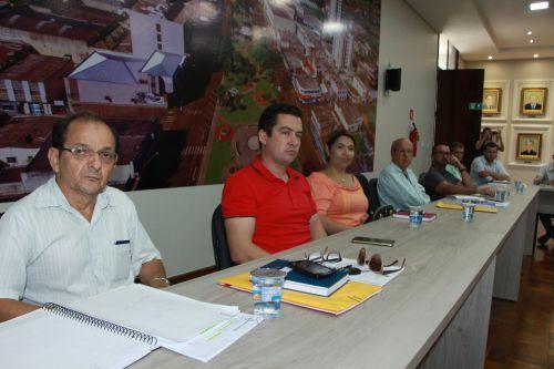 Servidores acompanham debate sobre implantação do serviço