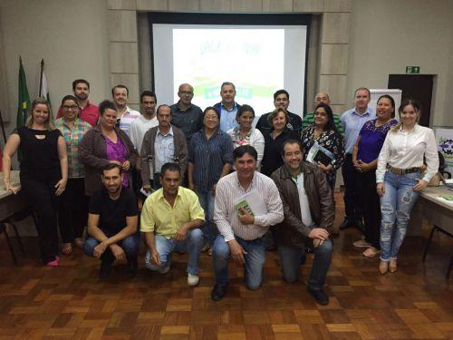 Diretores de Turismo que integram a Amuvitur reuniram-se no salão nobre da Prefeitura de Ivaiporã