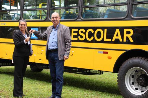 Rose Sirço recebe chaves do prefeito Miguel Amaral