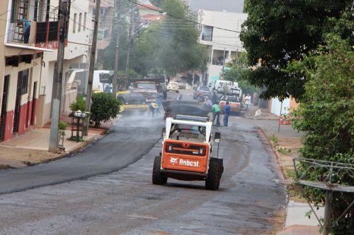 Ruas centrais de Ivaiporã são recapeadas pela Prefeitura