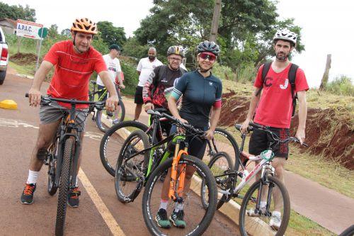 Prefeitura inaugura 1ª Ciclovia de Ivaiporã com participação de ciclistas e motociclistas