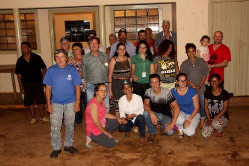 Adir Salla e Maria Helena da Cruz se reúnem com produtores rurais e apresentam benefícios do programa