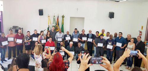 Homenagens entregues durante sessão solene na Câmara Municipal de Rondon