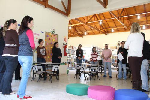 Biblioteca Cidadã de Ivaiporã recebe novas obras por meio do CMDCA