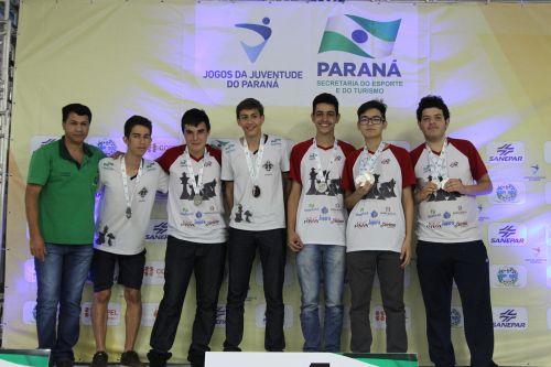 Cruzeiro do Oeste domina xadrez nos Jojups em Ivaiporã