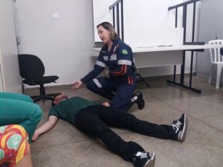 CAMBIRA CAPACITA FUNCIONÁRIOS DA SAÚDE PARA RECEBER OS JOGOS ESCOLARES