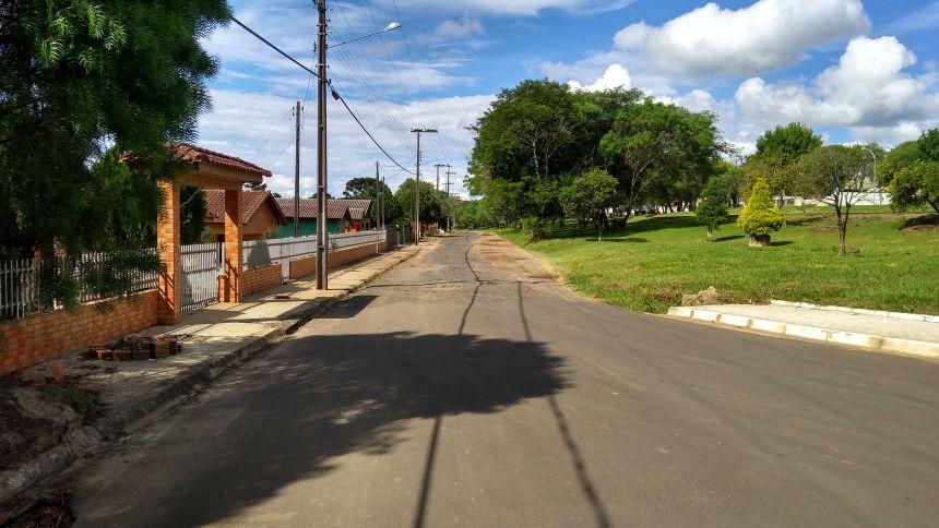 Inicio das Obras de Pavimentação Rua Aristóteles Batista de Camargo e ruas paralelas