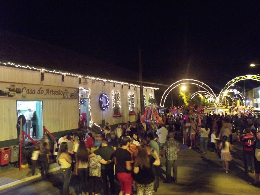 Lançado Projeto Natal Iluminado e Estação do Papai Noel em Teixeira Soares