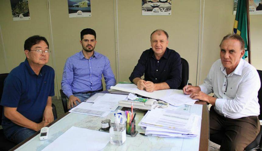 Prefeito José Isalberti recebe autorização para licitar duas importantes obras