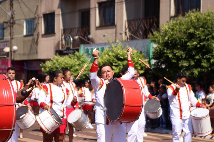 Com homenagem à Fanfarra, Desfile Cívico emociona população