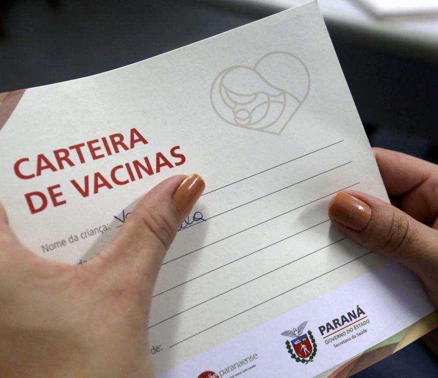 Carteira de vacinação passa a ser obrigatória nas escolas paranaenses