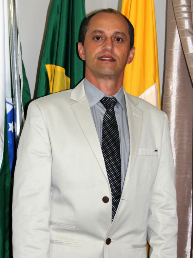 Evaldo Domingues de Oliveira (Presidente)
