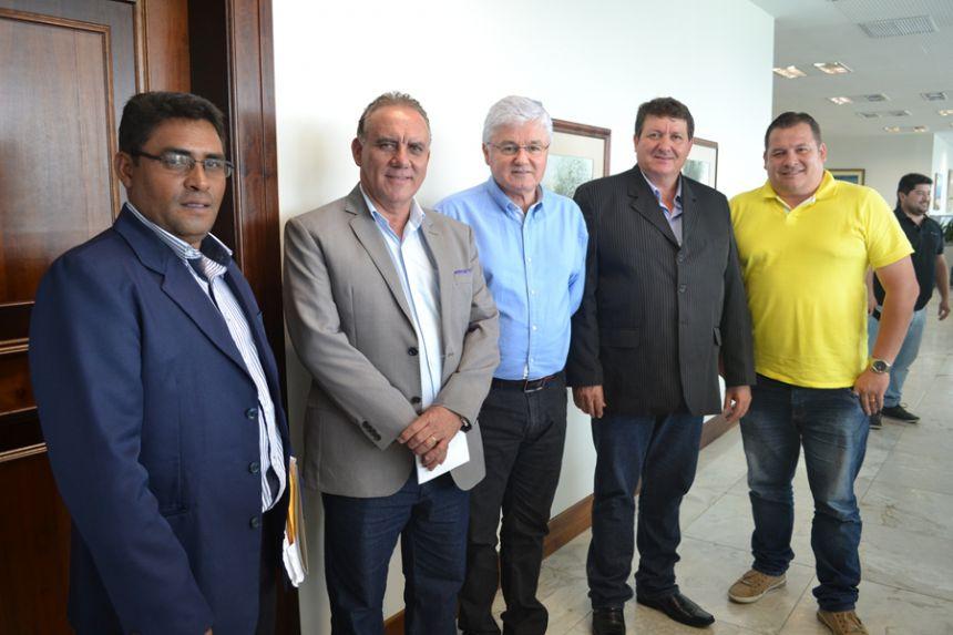 Deputados estaduais Mauro Moraes e Artagão Jr. garantem verbas para São Pedro do Ivaí