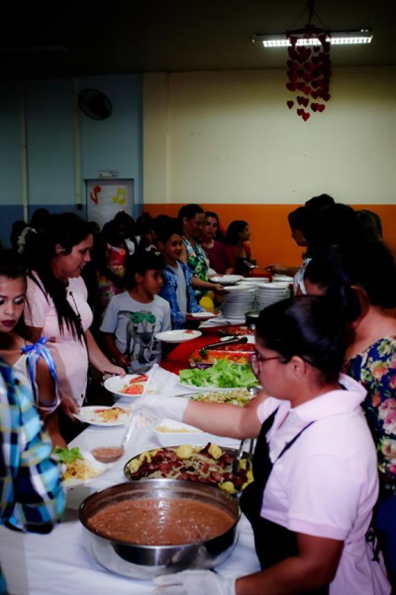 Jantar do CAIS/SCFV emociona mães de alunos