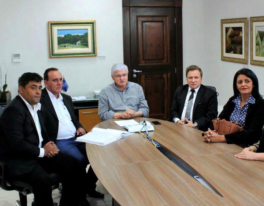 Em vídeo, secretário da Casa Civil divulga recursos para São Pedro do Ivaí