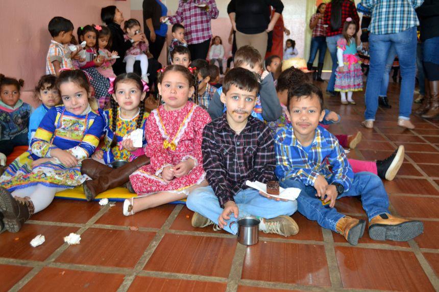 Governo Municipal promove Festa Julina nos Cmeis e Escolas Municipais