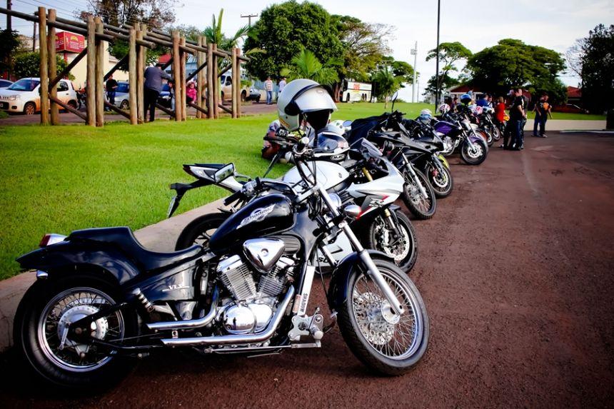 Governo Municipal promove 3º OLD ROCK - encontro de motos e carros antigos