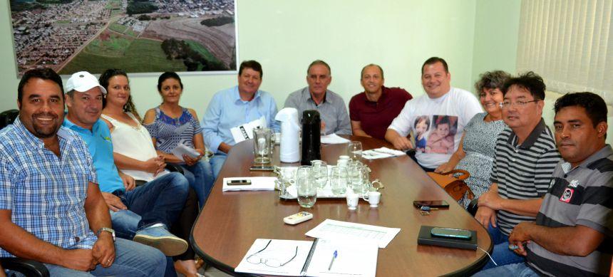 Prefeito José Isalberti se reúne com vereadores para definir destinação de recursos