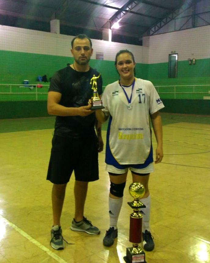 Futsal feminino de SPI se destaca em competição no Estado