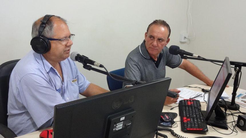 Na 2º parte da entrevista na Rádio São Pedro FM, prefeito fala maquinários novos e sorteio do IPTU Premiado