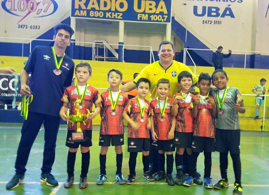 Escola Furacão se destaca no Circuito Vale do Ivaí de Futsal