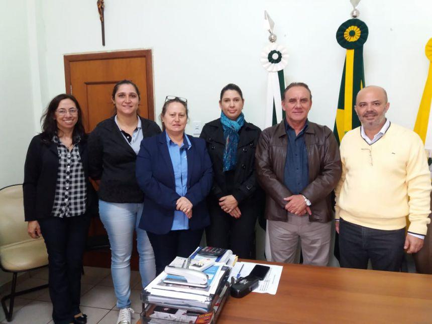 Prefeito José Isalberti discute ações contra dengue com 16ª Regional de Saúde