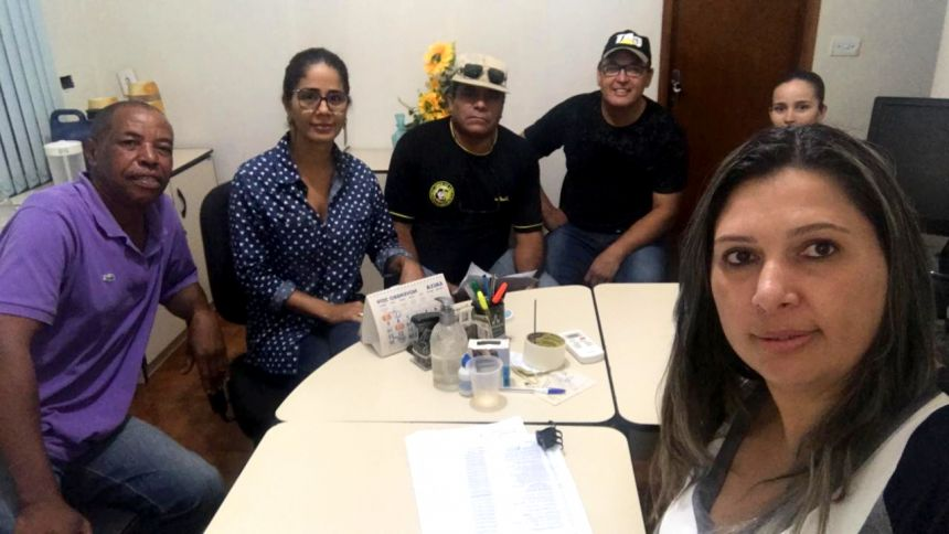 Secretaria de Saude, Simone Tavares, realiza reuniao com motoristas para reafimar os procedimentos